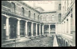 59 LILLE / Ecole Nationale D'Arts Et Métiers, Cour De L'Infirmerie / - Lille