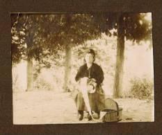 Photo Denteliere Et Son Panier Sept 1917 VOREY - Personnes Anonymes