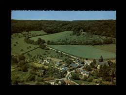 27 - LYONS-LA-FORET - Le Bout De Bas Et L´Eglise - Lyons-la-Forêt