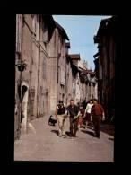 39 - LONS-LE-SAUNIER - Ses Vieux Quartiers - Jeu De Boules - Lons Le Saunier