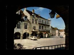 39 - LONS-LE-SAUNIER - Rue Du Commerce - Les Arcades - 39.300.49 - Citroën - AMI 8 - Lons Le Saunier