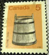 Canada 1982 Bucket 5c - Used - 1952-.... Reign Of Elizabeth II