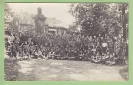 CHAMARANDE : Devant L'Entrée Du Château. Scouts De France. CARTE PHOTO Années 1920. 2 Scans - Scoutisme