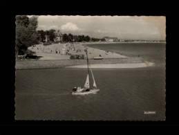 44 - LA BAULE - Entrée Du Port Et Vue Sur La Plage Benoît - 44.055.36 - La Baule-Escoublac