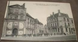 Thouars - La Place Saint Medard - Les Galeries Modernes - Thouars