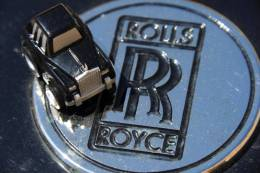 Rolls Royce, Ca. 4,2 Cm Mit Federlaufwerk NEU - Autres