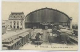 BORDEAUX (33) - CPA - LE HALL DE LA GARE DU MIDI - TRAIN - Bordeaux