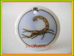 Clamecy ... Astrologie Médaillon..  Scorpion ... Ref AFF : 47-2002 .. (Boite 3) - Frühe Figuren