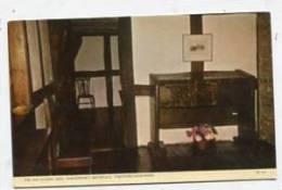 ENGLAND - AK 152886 Stratford-upon-Avon - Shakespeare´s Birthplace - The Old School Desk - Stratford Upon Avon