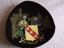 LORRAINE FAÏENCE De LONGWY Folklore Région ASSIETTE De DECORATION 035227 GRAND FEU Made In FRANCE - Longwy (FRA)