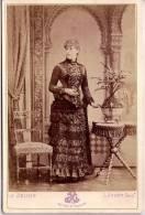 PORTRAIT CARTE CDV Tirage Alluminé 19 ème - Grande Taille 108 X 164  - Baronne De Bourgy , Avril 1883 - Edit. Le Jeune - Illustrateurs & Photographes