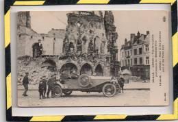 ARRAS. - . VUE DE LA PARTIE POSTERIEURE DE L'HÔTEL DE VILLE. BELLE AUTOMOBILE - Arras