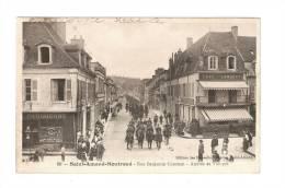 CPA : 18 - Cher : Saint Amand Montrond : Rue Benjamin Constant : Arrivée Des Troupes  Cavaliers - Attelage- Café Lambert - Saint-Amand-Montrond