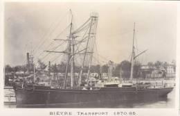 """FREGATE-AVISO 2 MATS ET VAPEUR """" BIEVRE """" 1870-188 .CARTE-PHOTO NON CIRCULEE (LEGEREMENT JAUNIE ). .A SAISIR - Guerra"""