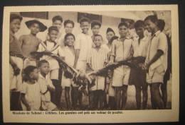 Mission De Scheut : Célèbes (Sulawesi), Les Gamins Ont Pris Un Voleur De Poules - Indonesia