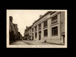44 - ANCENIS - Rue D'Anjou Et La Caisse D'Epargne - 82 - Banque - Ancenis