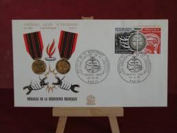 FDC - Médaille De La Résistance Français - Paris - 23.11.1974 - 1er Jour N°900 - FDC