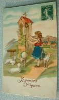 Carte Gauffrée Joyeuses Paques - Une Jeune Fille Sonne La Cloche - Moutons - Pâques