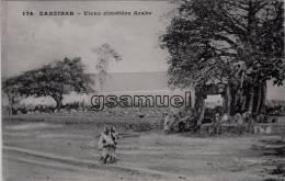 Afrique Tanzanie. - ZANZIBAR. - Vieux Cimetière Arabe. - (voir Scan). - Tanzania