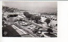 33 Arcachon 1966 - Le Boulevard Et La Plage / Citroen 2CV,DS,Renault 4CV,Dauphine,Peugeot 203,403,Simca Aronde ... - Arcachon