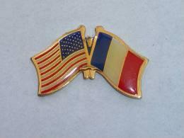 Pin's DRAPEAU Etats-Unis - France
