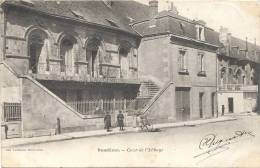 41 LOIR ET CHER  -  VENDOME  Cour De L'Abbaye (peu Courante) - Vendome