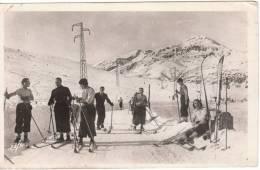 Carte Photo - Groupe De Skieurs Sur La Route De L´Hospitalet - Wintersport