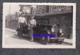 2 Photos Anciennes  - Belle Automobile à Identifier - Route De Criel ( Seine Maritime ) - 1946 - Cars