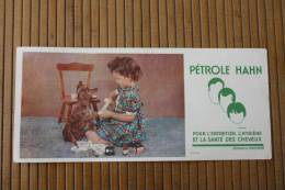 Buvard Publicitaire Pétrole Hahn PETROLE HAHN Produit Entretien,hygiène Et La Santé Des Cheveux -soins Toilette Du Chien - Papel Secante