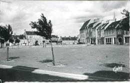 N°29690 -cpsm Trévières -place De La Halle- - France
