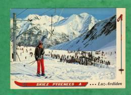 Luz-Saint-Sauveur Station De Luz-Ardiden Les Pistes De Ski Et Le Pic De Nère Téléski Skieuse - Luz Saint Sauveur