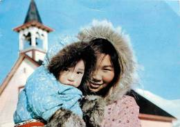 Réf : TO-13-824 : Mackenzie Esquimaux Sortie De Messe Holman Island - Canada