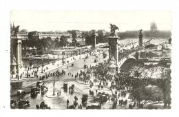 Cp, 75, Paris,  Le Pont Alexandre III Et Les Invalides, Voyagée 1946 - Ponti
