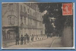 03 - BOURBON L´ARCHAMBAULT --  Le Cortége Des Baigneurs En Fête - Bourbon L'Archambault