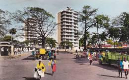 CPSM CONAKRY GUINEE LES GRATTE CIEL DE BOULBINET  ANIMATION CAMIONNETTE - Guinea