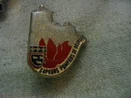 Pin´s Des Sapeurs Pompiers De BOURGES - Brandweerman