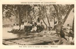 BIRMANIE UNE HALTE  APRES LE VOYAGE EN RADEAU  SOEURS JOSEPH DE L'APPARITION - Myanmar (Burma)