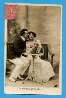 Couple Sur Un Banc    - Le Roman Qu'on Vit - Koppels