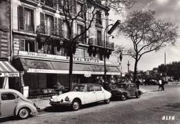 DPT 75 PARIS Place De La Nation Et Le Tabac Royal Nation - Places, Squares
