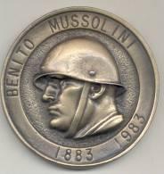BENITO MUSSOLINI PRIMO CENTENARIO DELLA NASCITA 1883-1983 GRAND FORMAT MEDAGLIE MEDAL - Royaux/De Noblesse