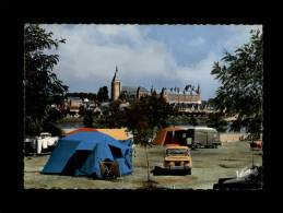 45 - GIEN - Le Camping Au Bord De La Loire - 4281 - Fourgon - Simca - Voiture 1960 - Gien