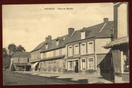 Cpa Du 76 Fréville  Place Du Marché     DUA4 - Frankrijk