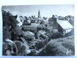 CPSM (29) Finistère - HUELGOAT - Un Joli Coin Du Bourg - Huelgoat