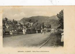 SAINT DENIS (Ile De La Réunion) Gare De Chemin De Fer Halte Place Du Gouvernemant Animation - Saint Denis