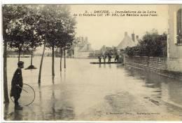 Carte Postale Ancienne Decize - Inondations De La Loire Octobre 1907. La Saulaie Sous L'eau - Catastrophes - Decize