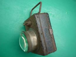 LAMPE ELECTRIQUE FRANCAISE W W 1manuelle Pour Collectionneur  (voir 3 Photos Et Descriptif ) - 1914-18