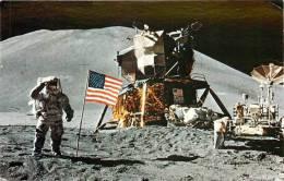Réf : R-12-680  : MISSION APOLLO. HOMMES SUR LA LUNE. NASA John F. Kennedy Space Center. - Espace