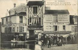 78 POISSY - INONDATIONS DE JANVIER 1910 - PLACE DE LA GARE ET RUE DU PORT ( HOTEL RESTAURANT GOVAIN - CAFE DE LA GARE ) - Poissy