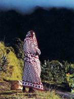 ANJOUAN Comores En Montagne, Jeune Femme - Comores