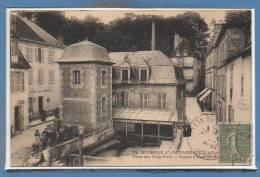 03 - BOURBON L´ARCHAMBAUL -- Place Des Trois Puits - Bourbon L'Archambault